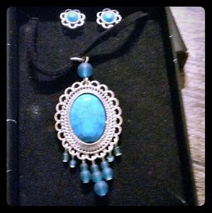 Jewelry - Tribal turquoise earrings and necklace set
